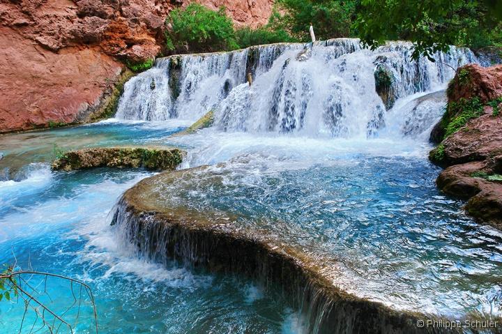 Une cascade, le bruit de l\'eau, nos sens en eveille - Page 2 Cascade%20downstream